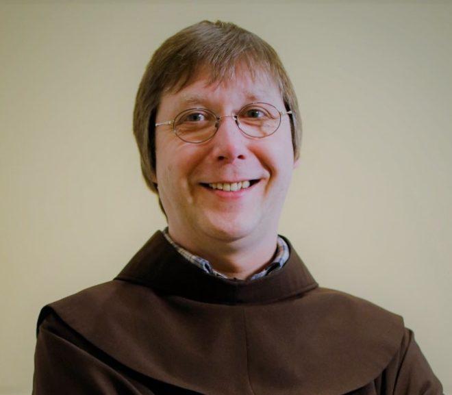"""""""Fragen existieren, damit sie gestellt werden können"""": Interview mit Franziskaner Thomas Ferencik"""